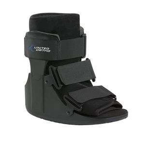 ⭐️NEW⭐️UNITED ORTHO   Short Cam Walker Fracture Boot, Extra Small, Black